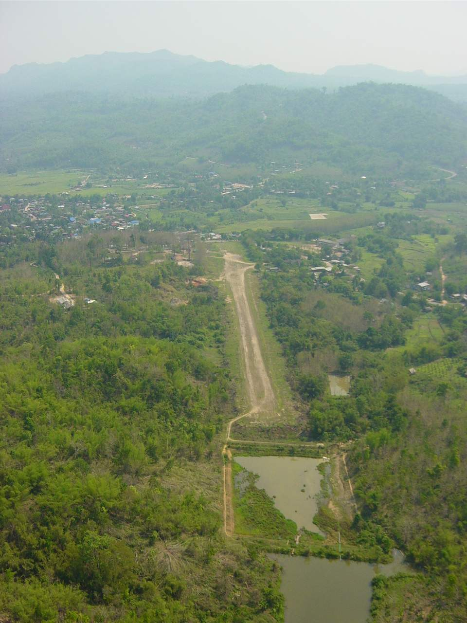 Umphang Runway 20 - for TAKEOFF (away from the mountain)
