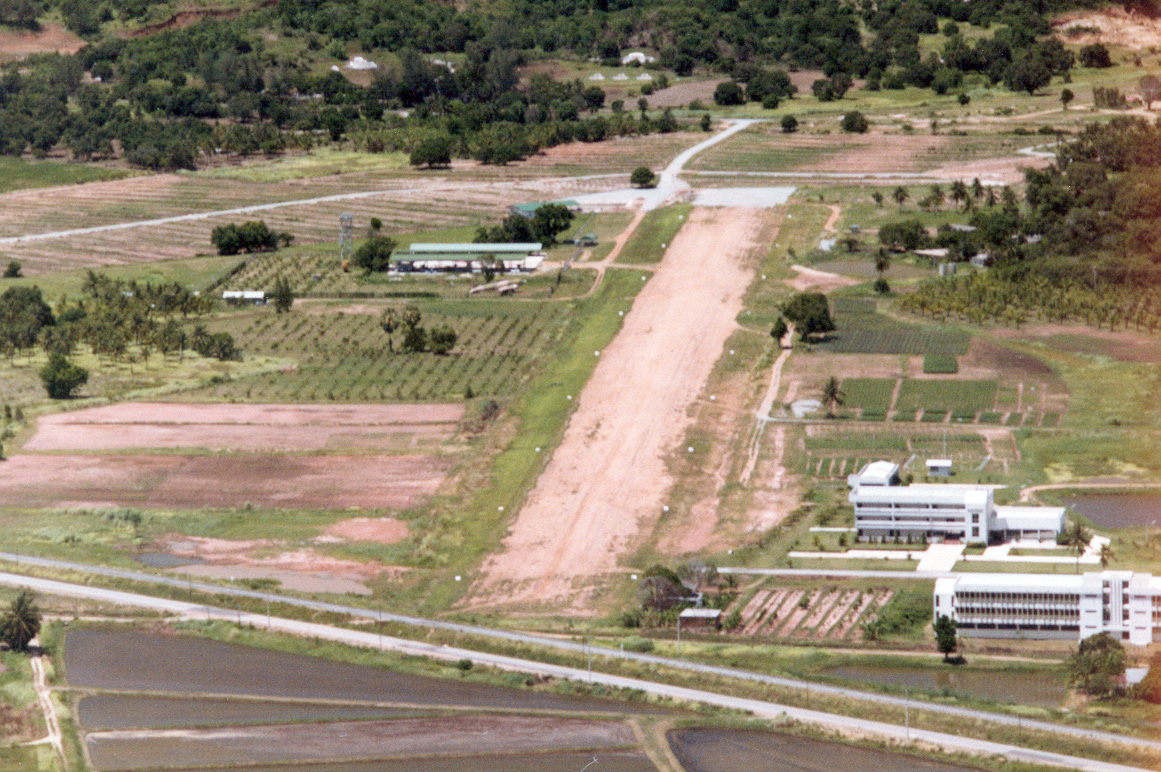 Bang Phra airstrip in the early days (photo courtesy of Khun Thira)